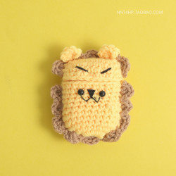 Cute Design Cartoon Handcraft Wool Fabric Cover Skin for Airpod (1 / 2) Charging Case (Lion)
